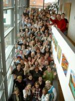 2009_Probensonntag_Treppe_winkend